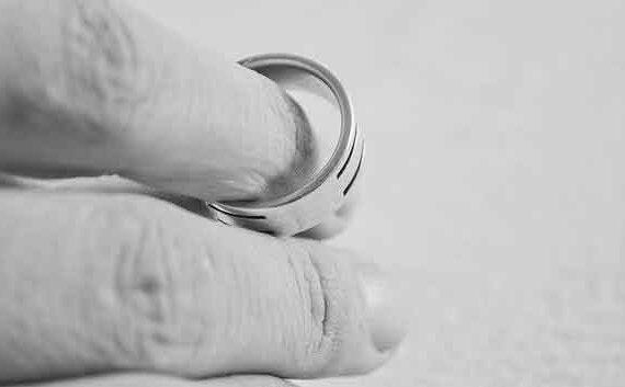 Abella Abogados. Divorcios en Galicia. Imagen de PublicDomainPictures en Pixabay.